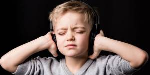 How can I protect my own or my child's hearing from loud noise→